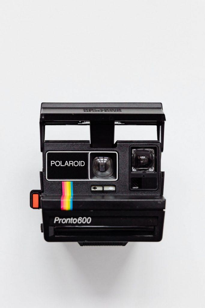 camara vintage polaroid pronto600 negra