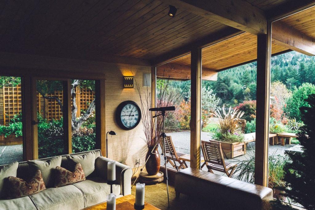 salon rustico en casa de campo